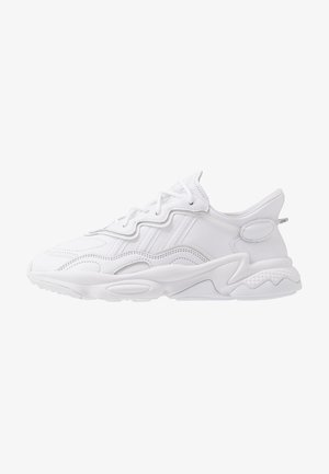 OZWEEGO - Matalavartiset tennarit - footwear white/grey one