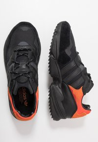 adidas Originals - YUNG-96 TRAIL - Trainers - core black/trace grey metallic/flash orange - 1