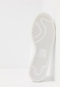 adidas Originals - STAN SMITH - Sneakers - footwear white/crystal white - 5