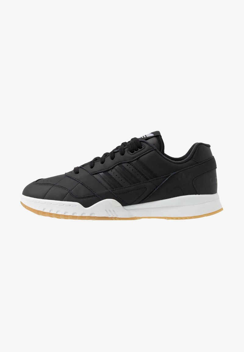 adidas Originals - A.R. TRAINER - Sneakers laag - core black/footwear white