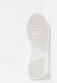 adidas Originals - CONTINENTAL 80 - Trainers - footwear white/crystal white - 5