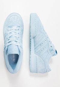 adidas Originals - RIVALRY - Tenisky - clear sky/footwear white - 1