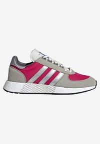 adidas Originals - MARATHON TECH - Trainers - red - 5