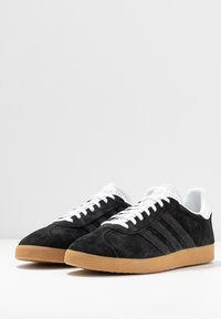adidas Originals - GAZELLE - Trainers - core black/footwear white - 2