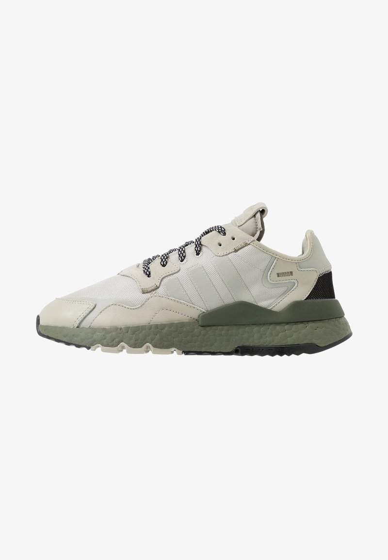 adidas Originals - NITE JOGGER - Sneakersy niskie - sesame/raw khaki