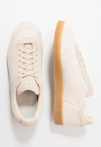 adidas Originals - GAZELLE - Baskets basses - beige - 1