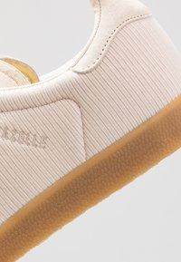 adidas Originals - GAZELLE - Baskets basses - beige - 5