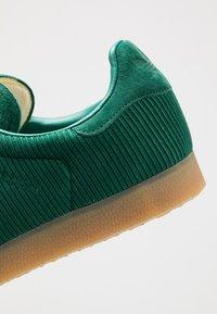 adidas Originals - GAZELLE - Trainers - collegiate green - 5
