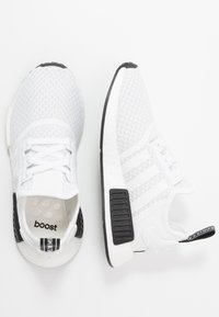 adidas Originals - NMD_R1 - Sneakersy niskie - footwear white/core black - 1