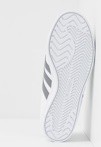 adidas Originals - COAST STAR - Matalavartiset tennarit - footwear white/grey three - 4
