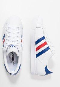adidas Originals - COAST STAR - Sneakersy niskie - footwear white/collegiate royal/scarlet - 1