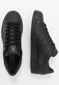 adidas Originals - SUPERSTAR - Sneakers - core black - 1