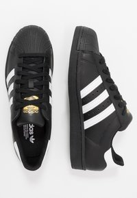 adidas Originals - SUPERSTAR - Sneakers laag - core black/footwear white - 1