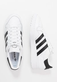 adidas Originals - TEAM COURT - Matalavartiset tennarit - ftwwht/cblack/ftwwht - 1