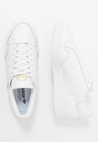 adidas Originals - TEAM COURT - Sneakers laag - footware white/core black - 1