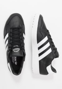 adidas Originals - TEAM COURT - Tenisky - core black/footwear white - 1