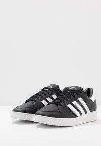 adidas Originals - TEAM COURT - Sneakers basse - core black/footwear white - 2