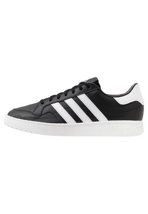 TEAM COURT - Baskets basses - core black/footwear white