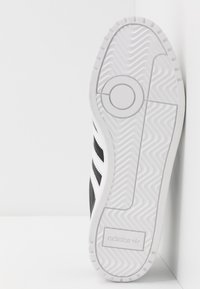 adidas Originals - TEAM COURT - Joggesko - core black/footwear white