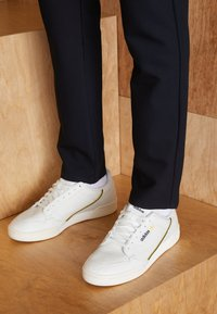 adidas Originals - CONTINENTAL 80 - Sneakers laag - white tint/offwhite/core black - 3
