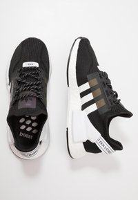 adidas Originals - NMD_R1.V2 - Trainers - core black/footwear white