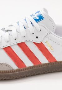 adidas Originals - SAMBA - Sneakers - footwear white/trace scarlet/clear granite - 5