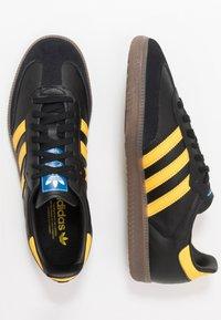 adidas Originals - SAMBA - Tenisky - core black/equipment yellow/blu bird - 1