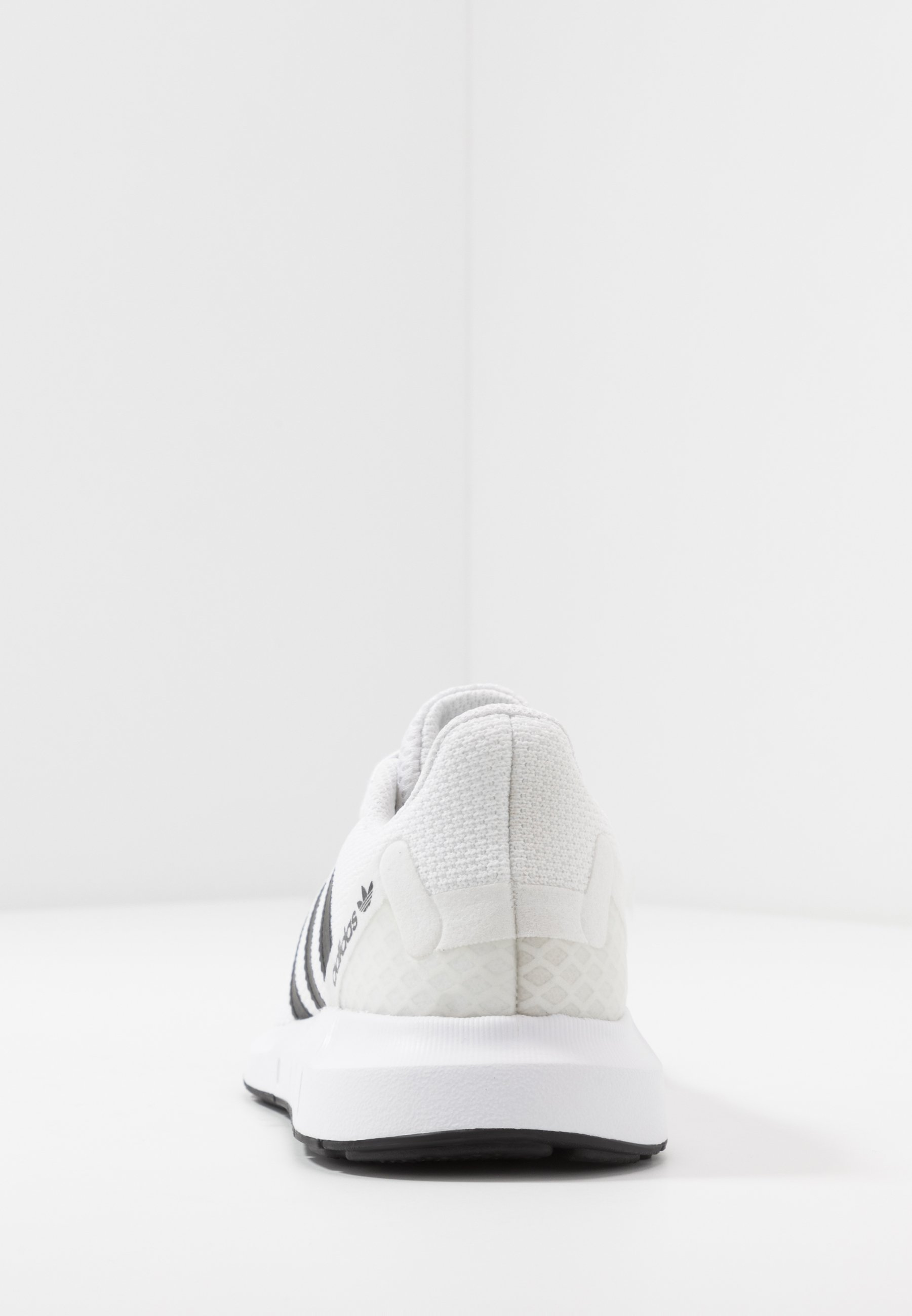 Adidas Originals Swift Run - Baskets Basses Ftwwht/cblack/ftwwht