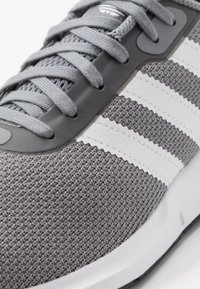 adidas Originals - SWIFT RUN - Trainers - grey three/footwear white/core black - 5