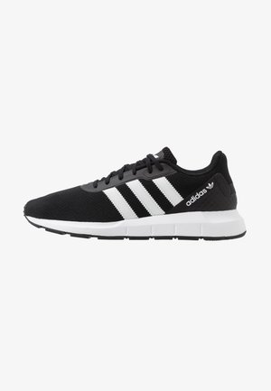 SWIFT RUN - Sneakersy niskie - core black/footwear white