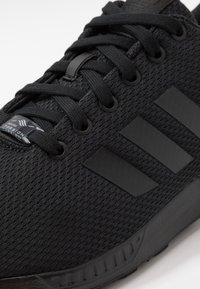 adidas Originals - ZX FLUX - Sneakers - core black - 5