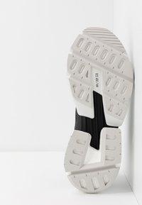 adidas Originals - POD-S3.1 - Sneakers - carbon/core black - 4