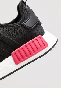 adidas Originals - NMD_R1 - Trainers - core black/energy pink - 5
