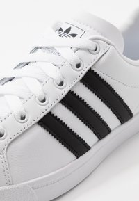 adidas Originals - COAST STAR - Trainers - footwear white/core black - 5