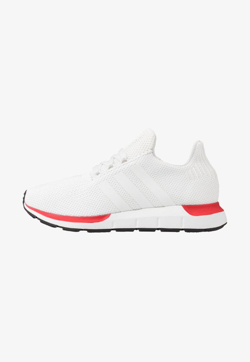 adidas Originals - SWIFT RUN - Sneakers laag - crystal white/footware white