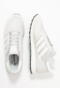 adidas Originals - FOREST GROVE - Sneaker low - grey one/cloud white/core black - 1
