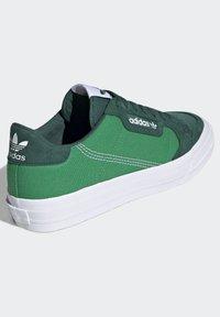 adidas Originals - CONTINENTAL VULC SHOES - Scarpe skate - green - 3