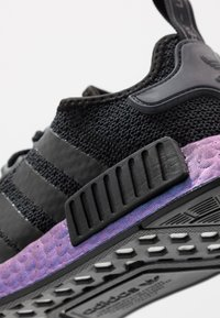 adidas Originals - NMD_R1 - Sneakers laag - core black/carbon - 5