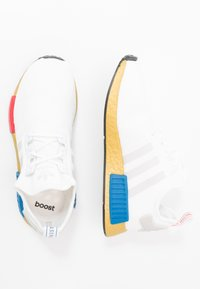 adidas Originals - NMD_R1 - Matalavartiset tennarit - footwear white/lush red/lush blue