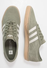 adidas Originals - EASE - Sneakers basse - legend green/clear brown - 1