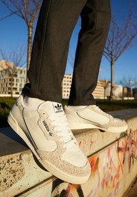 adidas Originals - CONTINENTAL 80 - Zapatillas - white tint/grey one/offwhite - 7