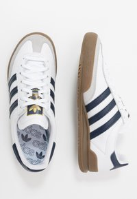 adidas Originals - JEANS - Trainers - footwear white/collegiate navy - 1