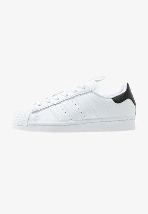SUPERSTAR - Sneaker low - footwear white/core black/shock pink