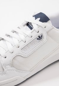 adidas Originals - CONTINENTAL 80 - Matalavartiset tennarit - footwear white/grey one/core navy - 5