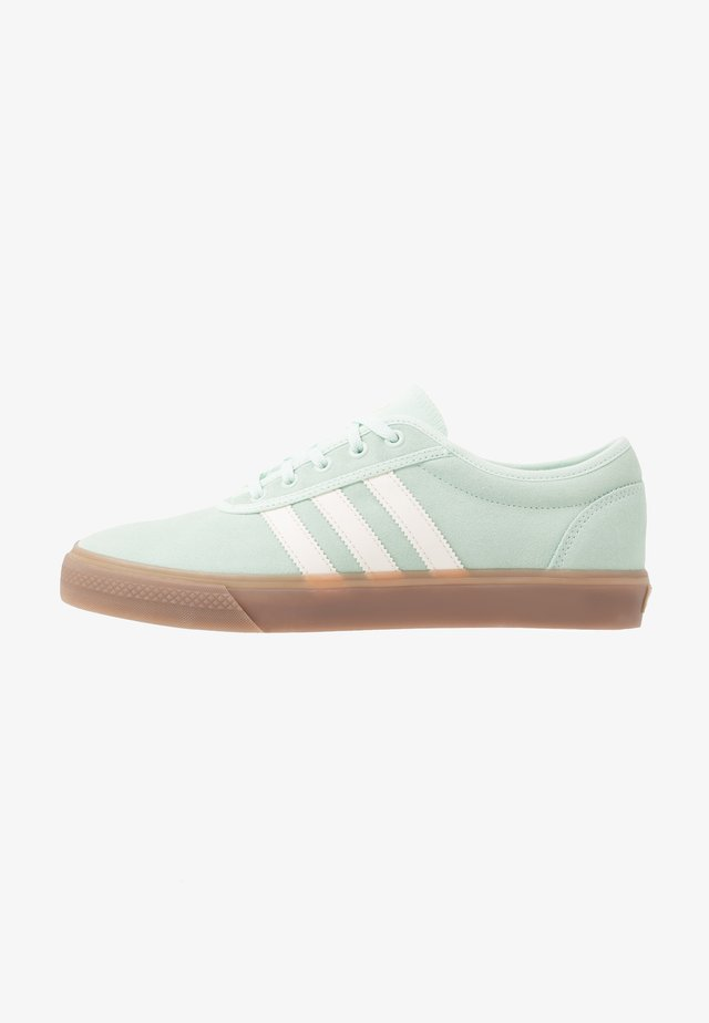 ADI-EASE - Trainers - dash green/chalk white