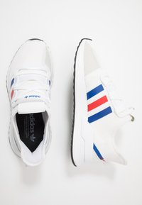adidas Originals - PATH RUN - Matalavartiset tennarit - footwear white/royal blue/lush red - 1