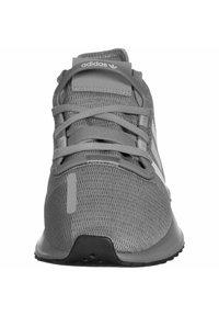 adidas Originals - PATH RUN - Sneakers laag - grey heather/green - 6