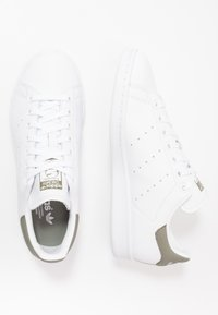 adidas Originals - STAN SMITH - Sneakers laag - footwear white/legend green - 1