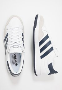 adidas Originals - TEAM COURT - Trainers - footwear white/collegiate navy/core black - 1