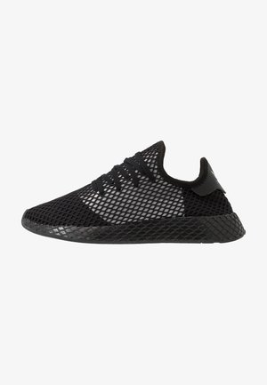DEERUPT RUNNER - Matalavartiset tennarit - core black/silver metallic